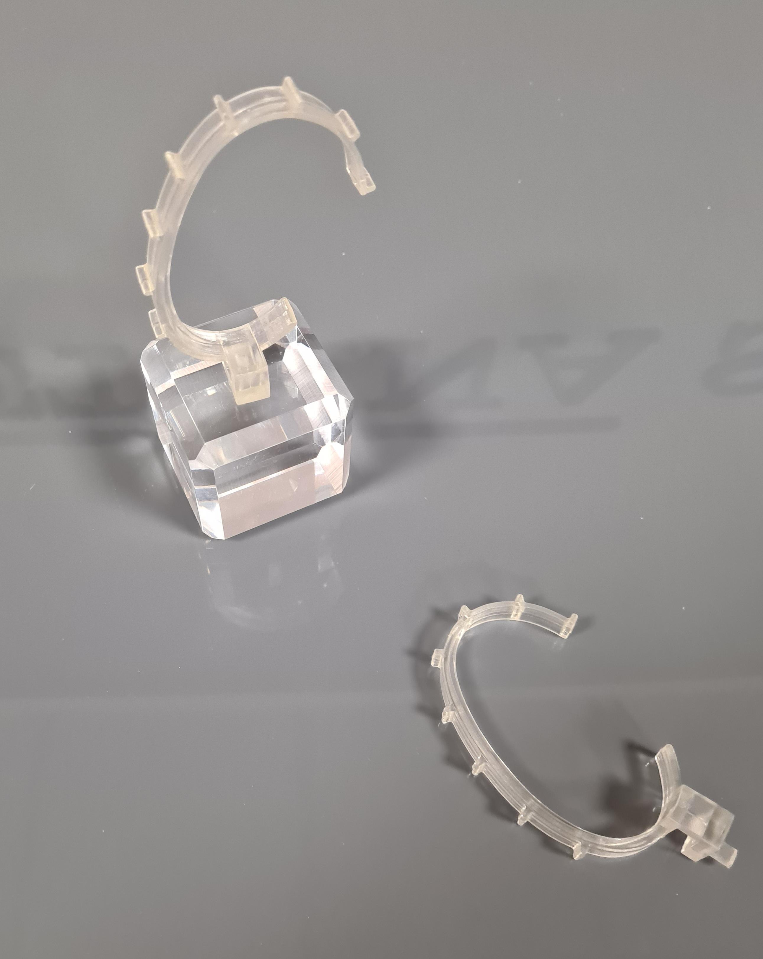 Molla orologi dentata